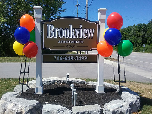 Brookview Apartment Sign